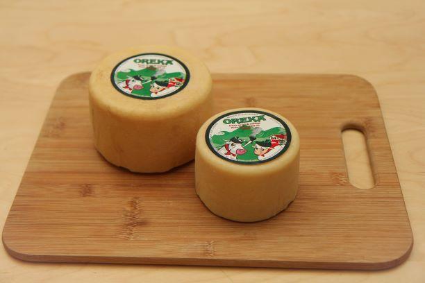 Différentes taille de fromage mixte disponible à la vente